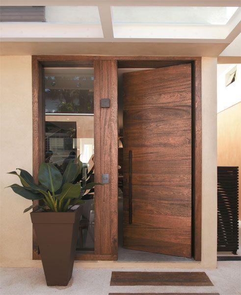บานประตู เลือกใช้วัสดุแบบไหน ให้เหมาะสมกับการใช้งาน