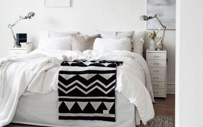 """ห้องนอนเล็ก ทำยังไงดี หมดปัญหา """"ห้องแคบ เล็ก"""" แค่ """"ทาสี"""" ก็ช่วยได้"""